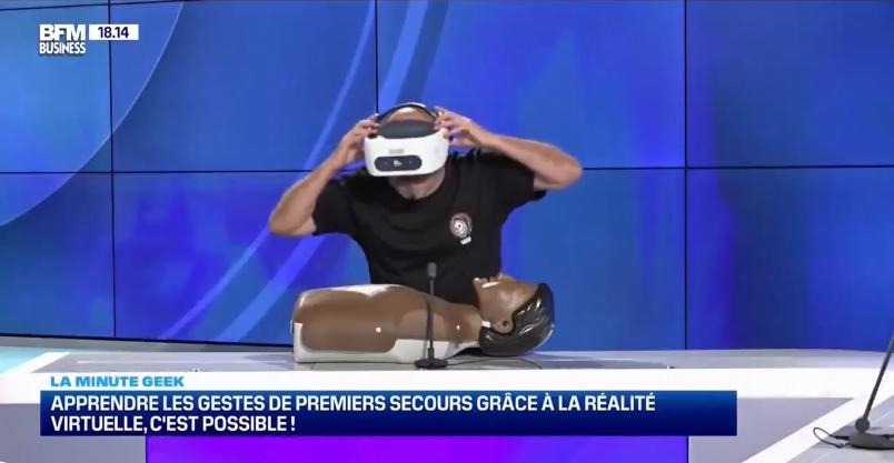 Casque VR et mannequin de secourisme dans l'émission TechRH